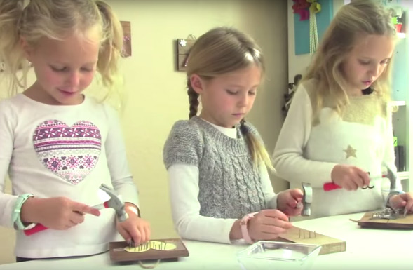 kids-crafts-by-three-sisters-string-art-nailing