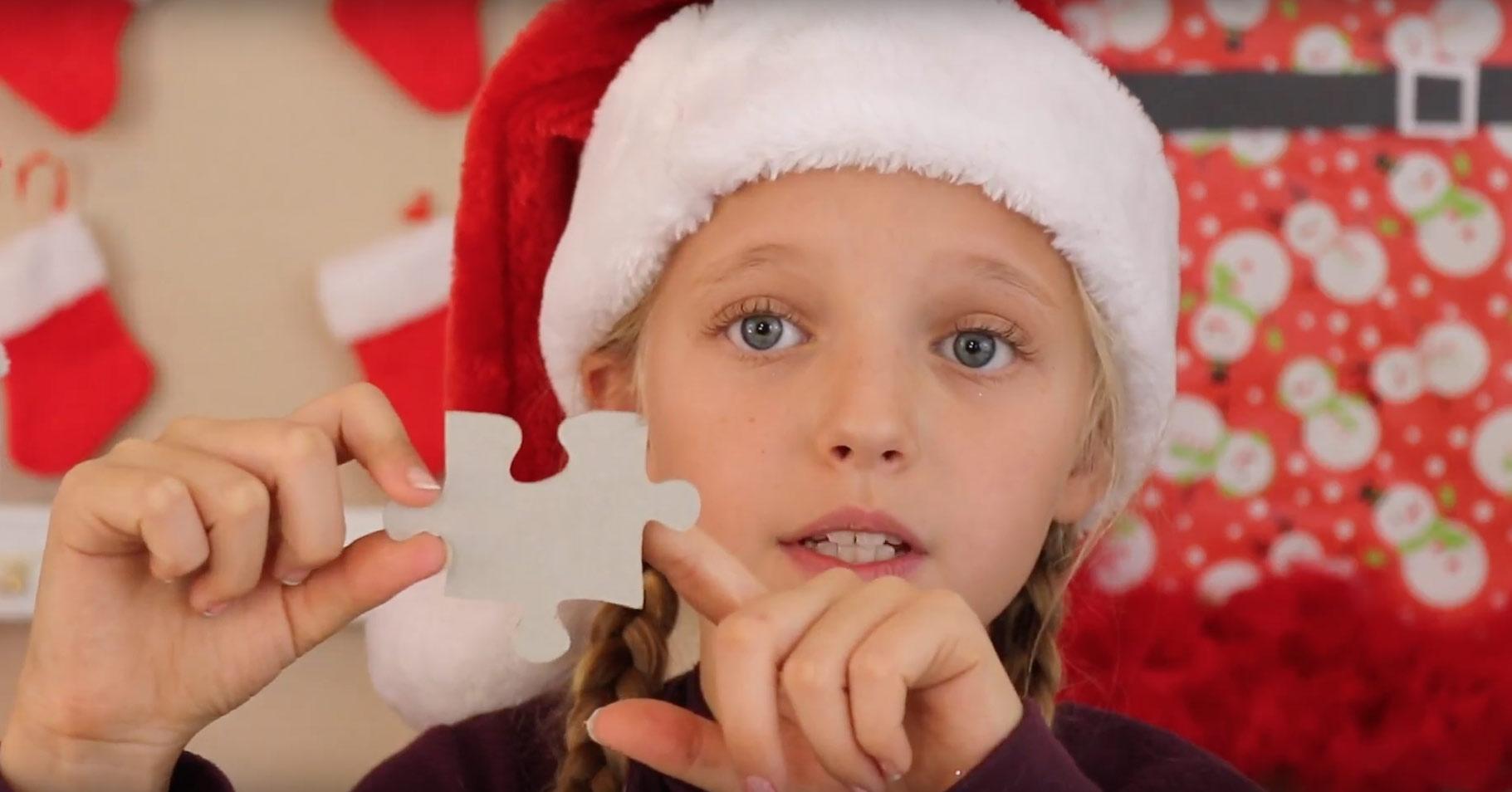 how-make-puzzle-reindeer-ornament-arrange-shape