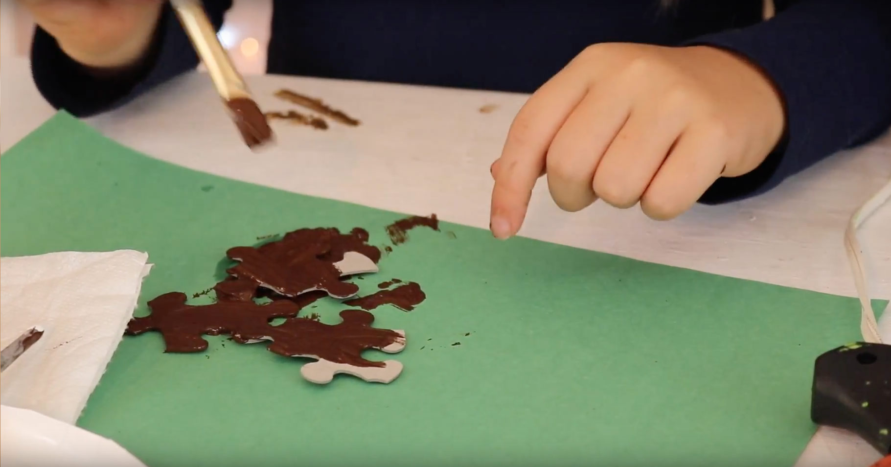 how-make-puzzle-reindeer-ornament-paint