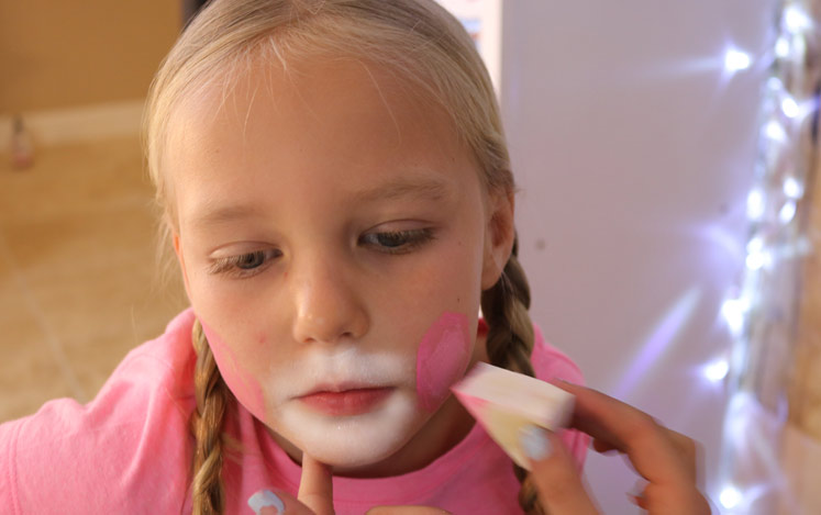 how-to-face-paint-bunny-cheeks