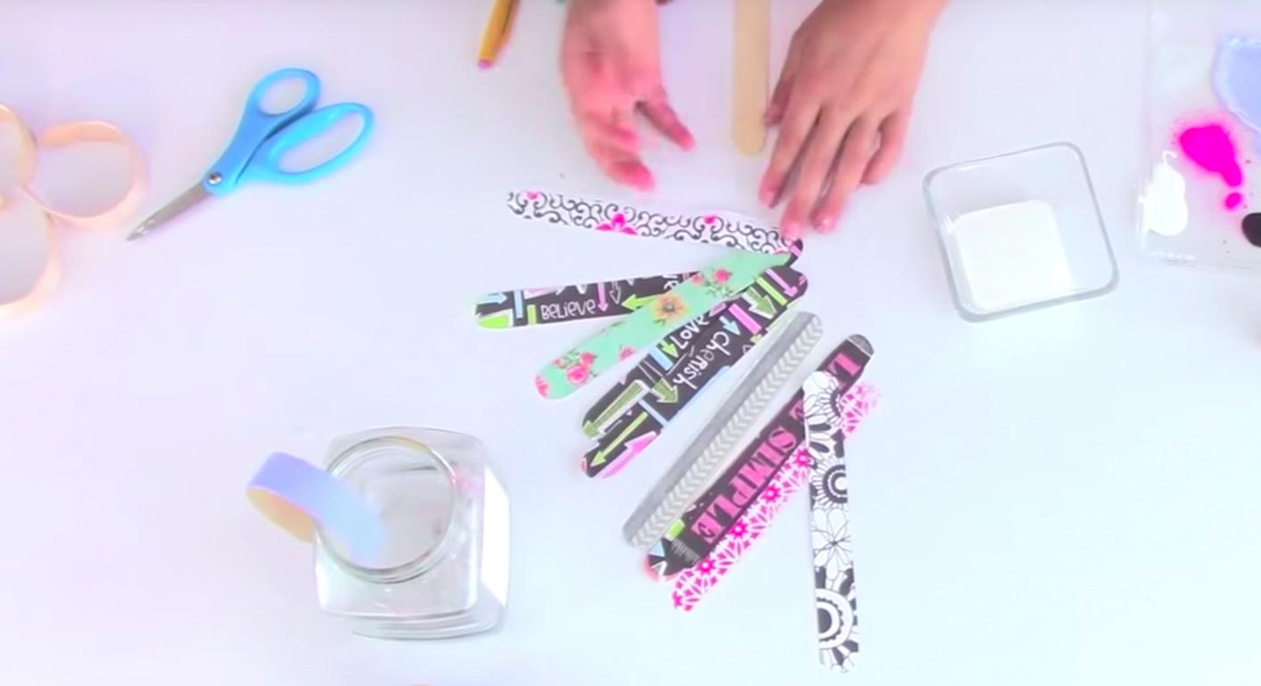 curved-popsicle-stick-bracelet-lid-jar