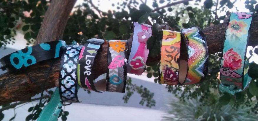 diy-jewelry-popsicle-stick-bracelets-kids-crafts-sisters