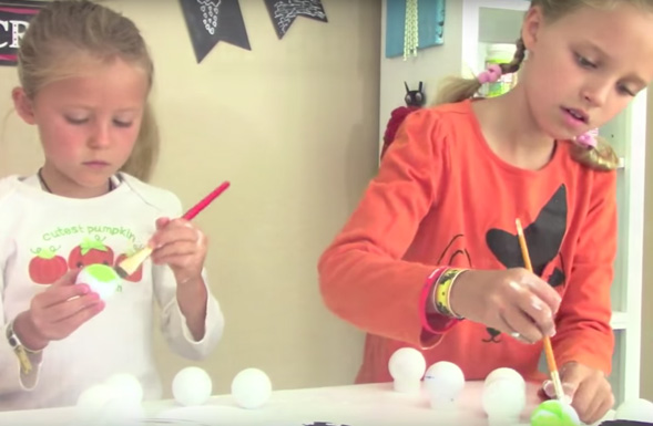 kids-halloween-crafts-paint-golf-ball-green