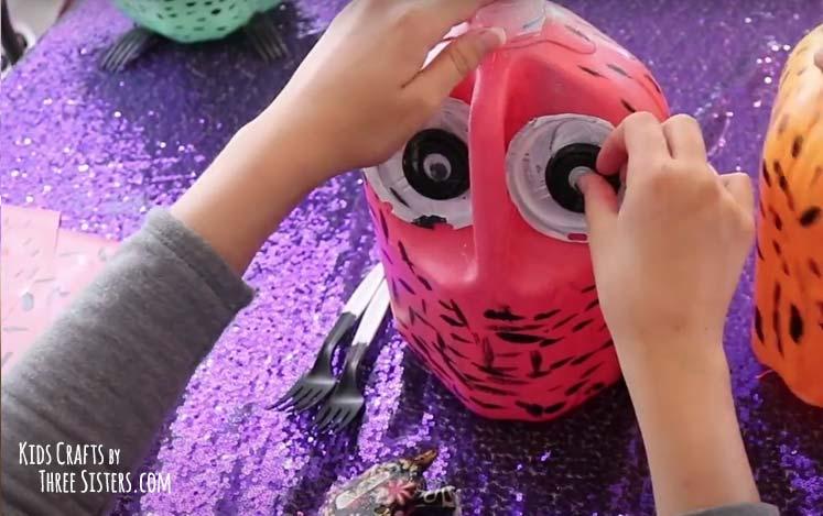 glue-eyes-owl-craft