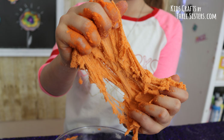 best-diy-kinetic-sand-recipe-seen-kelly-clarkson-show-three-sisters
